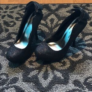 Night Moves by Allure Glitter Black Pumps